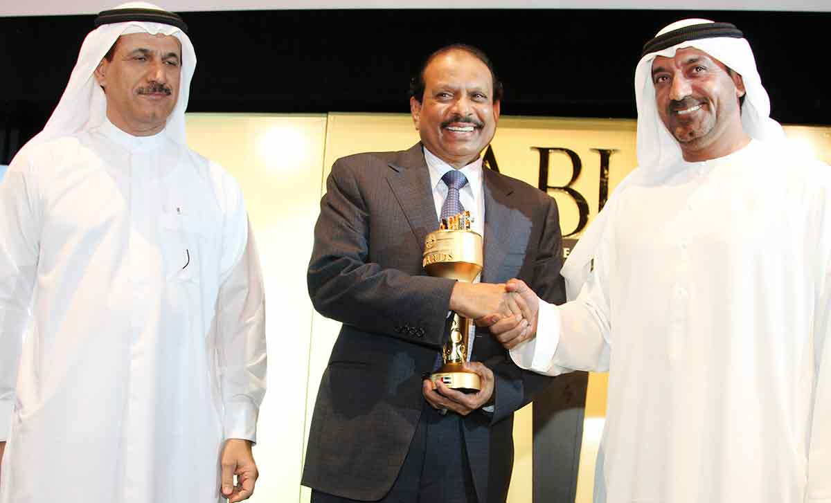 Yusuff Ali receives 'India-UAE Business Visionary Award 2013′